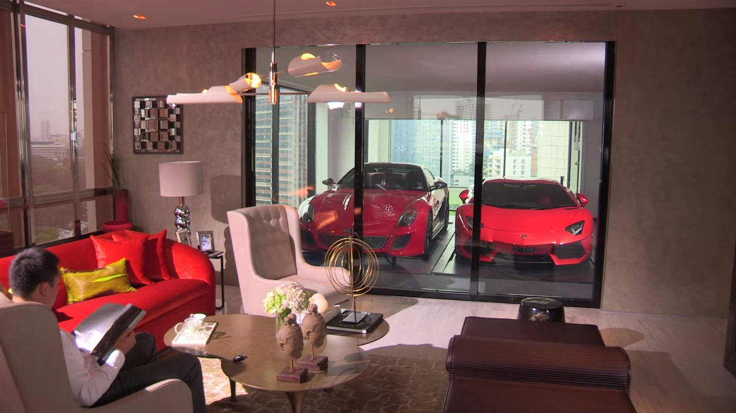 2015-02-27 15_26_03-Millionaires park supercars in their LIVING ROOM - YouTube