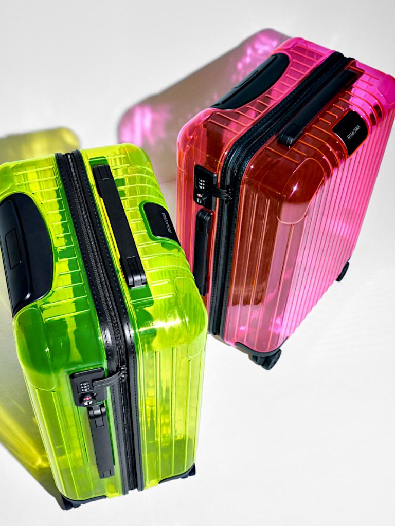 手機殼與行李箱都換上透明螢光色調丨RIMOWA發佈全新Essential Neon系列